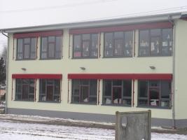 Raffstoren Grundschule